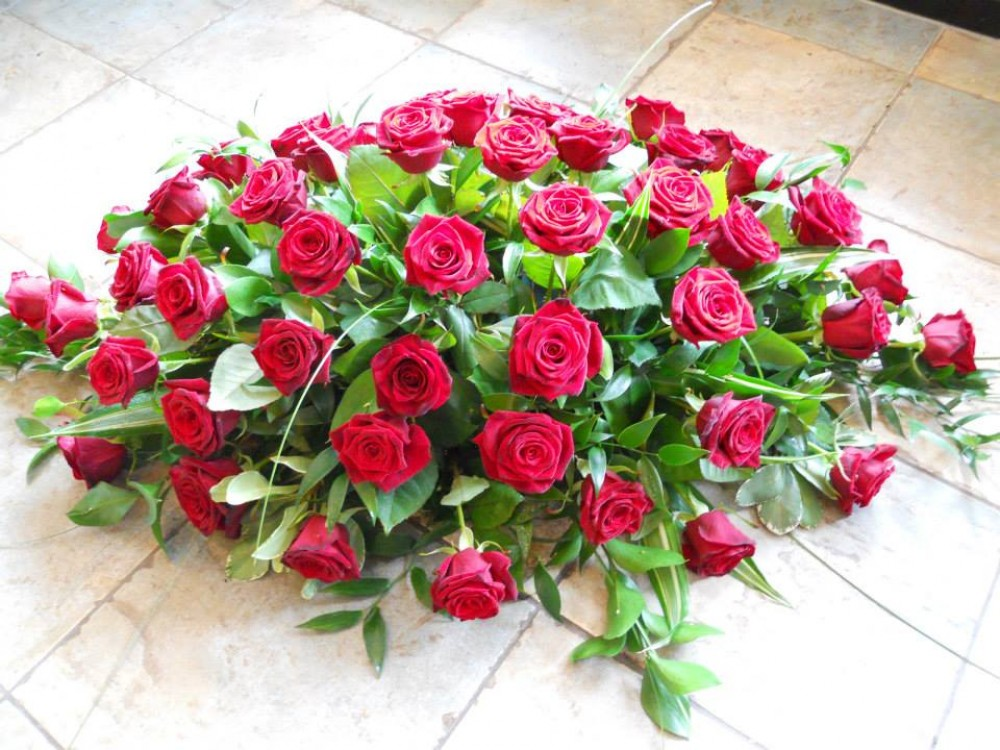 Elegant rose casket spray