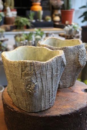 Ceramic 'tree bark' planter
