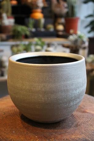 Ceramic 'antique gold' planter
