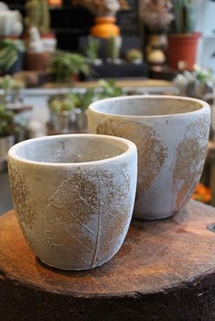 Ceramic gold 'skeleton leaf' planter