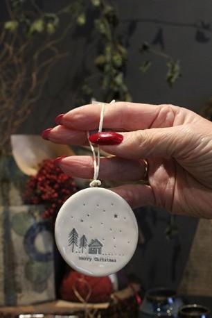 Porcelain 'Merry Christmas' decoration 2